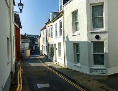 Deal has narrow streets and alleyways.