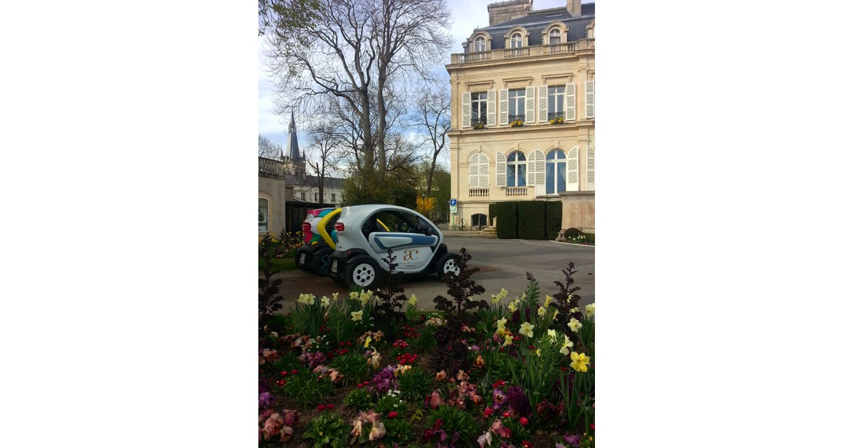 Electric cars, Epernay - a great way to tour the Avenue de Champane, the most expenisve half mlle in the world