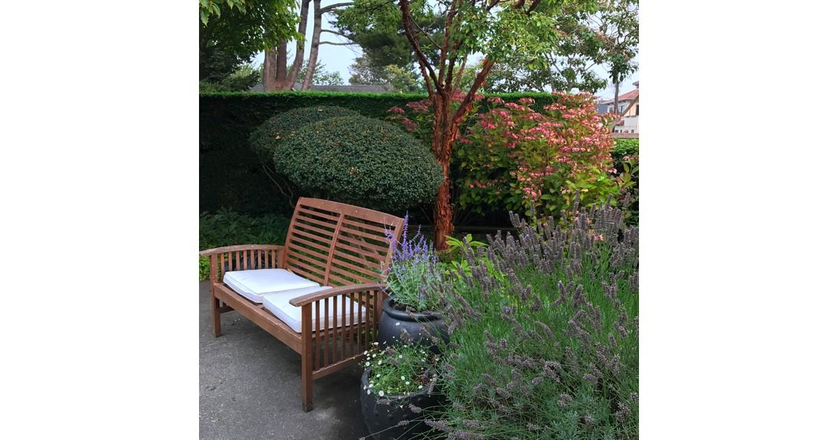 Garden at Langley Inn