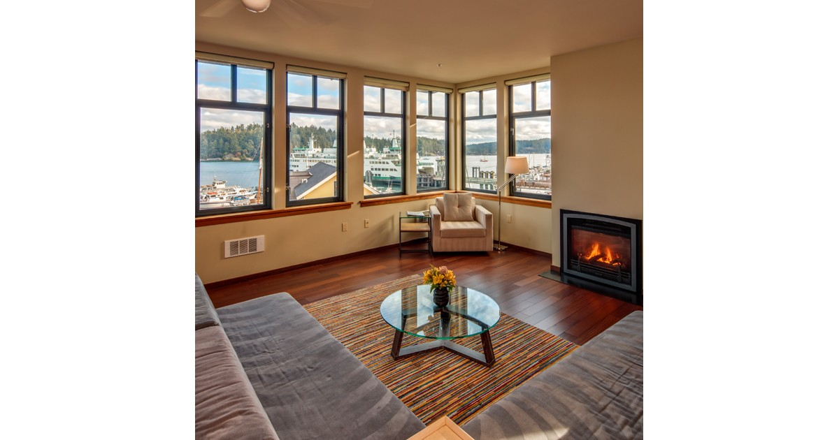 Penthouse at Island Inn at 123 West - Friday Harbor
