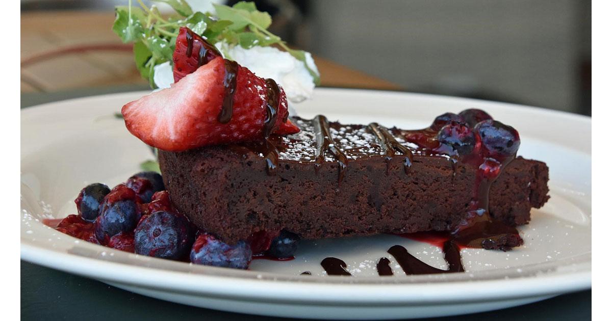 Flourless-Chocolate-Cake.jpg