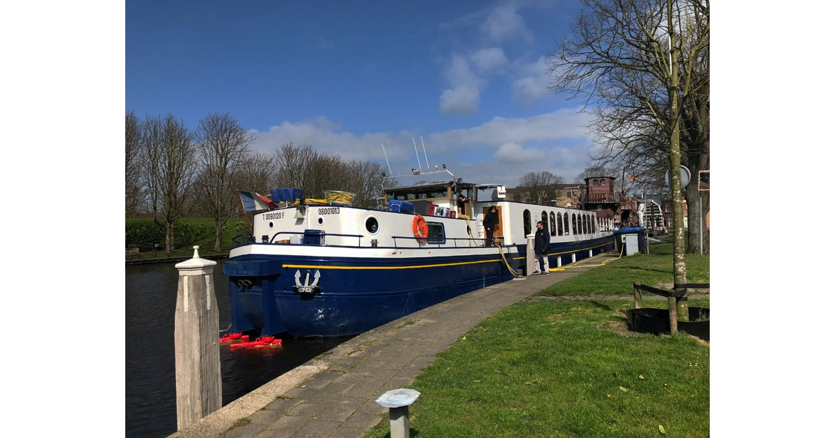 The Panache is one of European Waterways seventeen upscale barges.