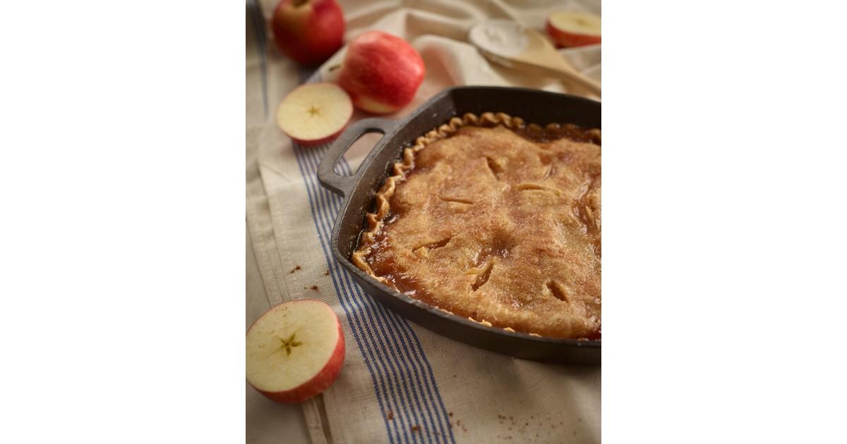 Apple Pie in Cast Iron Skillet