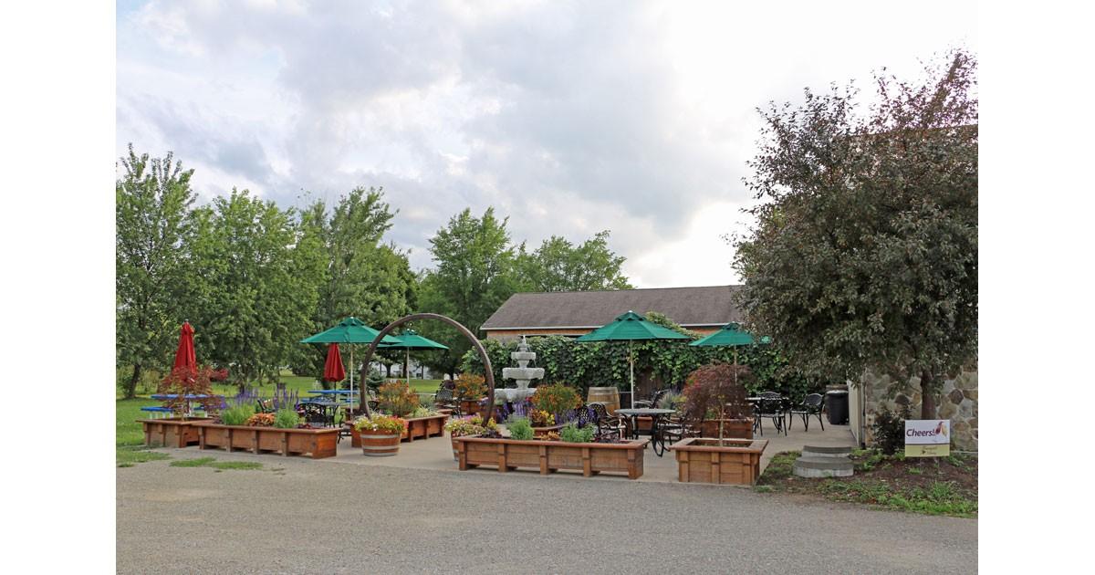 Courtyard-Winery-in-Pennsyl.jpg