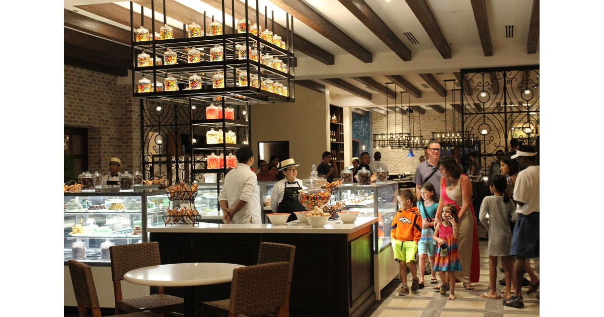Dining for families at Pueblo Bonito