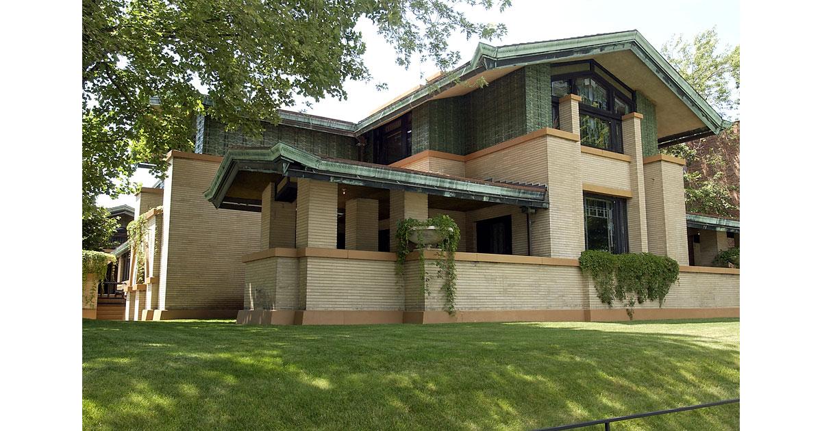 House-exterior-courtesy-of-the-Dana-Thomas-House.jpg1200.jpg