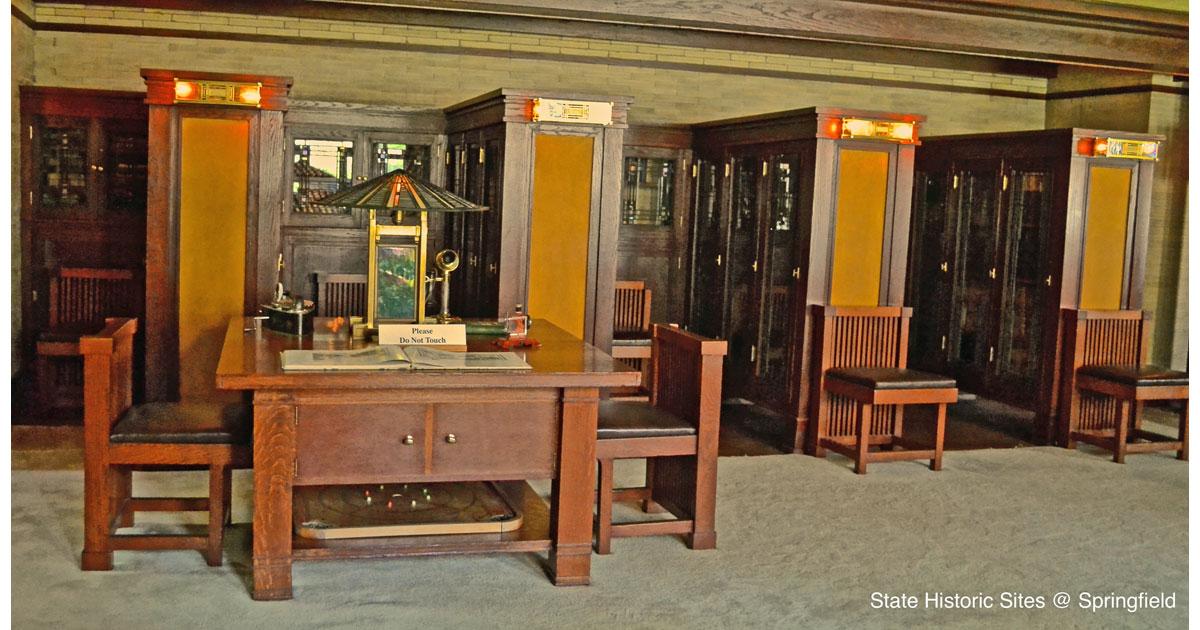 Library courtesy of the Dana-Thomas House