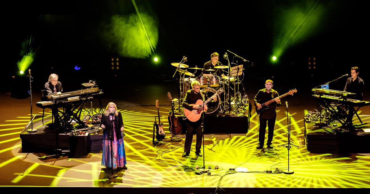 Renaissance live in Belo Horizonte Brazil - Annie Haslam.jpg