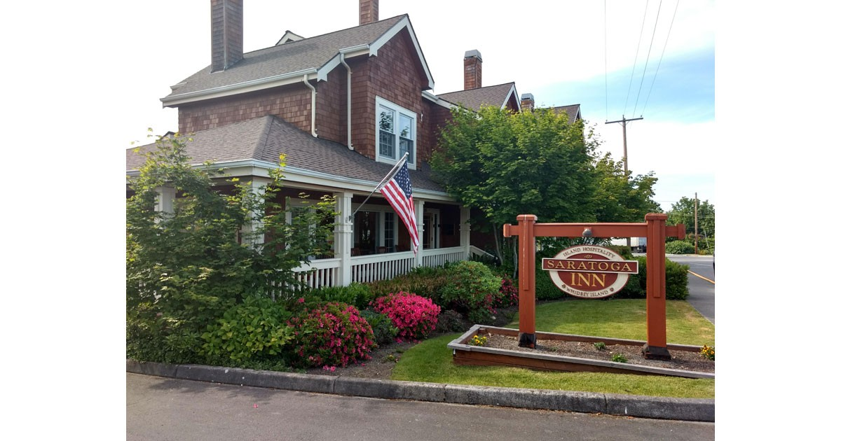 The Saratoga Inn, Langley is near to all the town's restaurants and shops