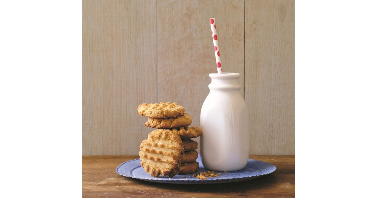 peanutbutter-cookies-and-mi.jpg
